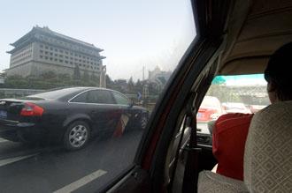taxi på väg ut från Beijing