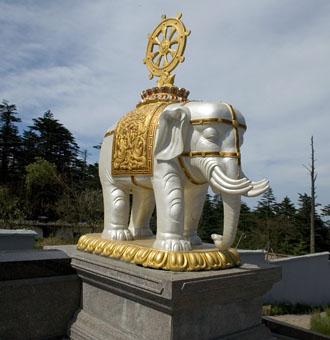 Elefantstaty, Emei-berget