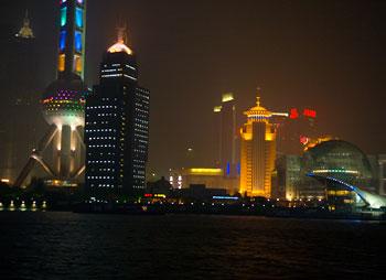 Vy ifrån båttur, Shanghai by night