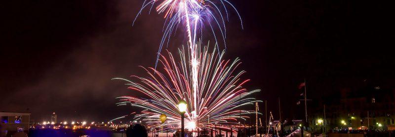 Fyrverkeri Boston hamn på Nyårsafton