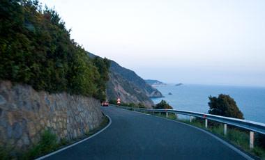 Kustväg på väg mot Cinque terre