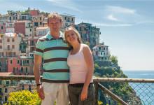 Lars och Anki med Manarola i bakgrunden, Cinque Terre