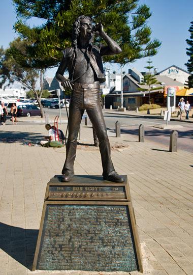 Bon Scott staty i Fremantle