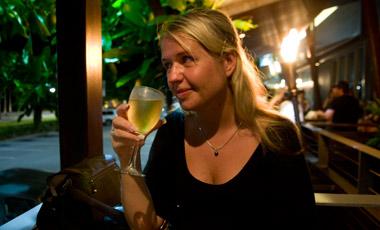 Anki på The Pier Bar & Grill, Cairns