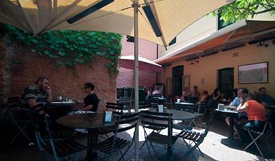 La Renaissance Café Patisserie