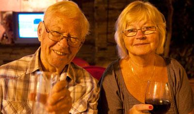 Aina och Sven-Åke på Aguilar restaurang i Estepona