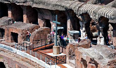 Detaljbild sett från södra sidan av Colosseum, Rom