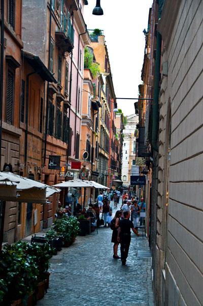 Charmig gränd, Rom