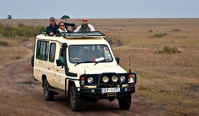 Möte med vänner i safari bil, Kenya