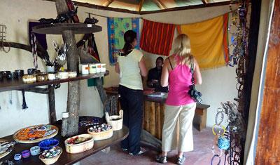 Souvenirbutiken på JK Mara Camp, Kenya