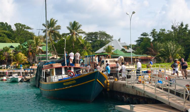La Passe hamn, La Digue Seychellerna