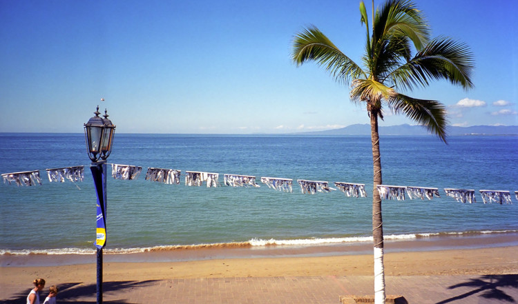 Puerto Vallarta utsikt längs gata i centrum, Mexiko