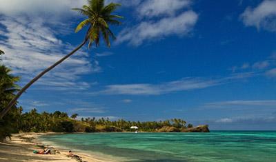 Stranden vid Nabua Lodge, Fiji
