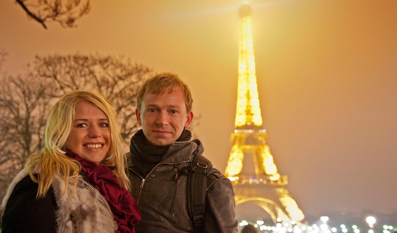 Anki och Lasse på Nyårsnatten vid La Tour Eiffel, Paris