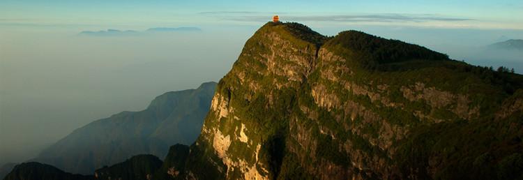 Emei berget vid gryningen, Kina