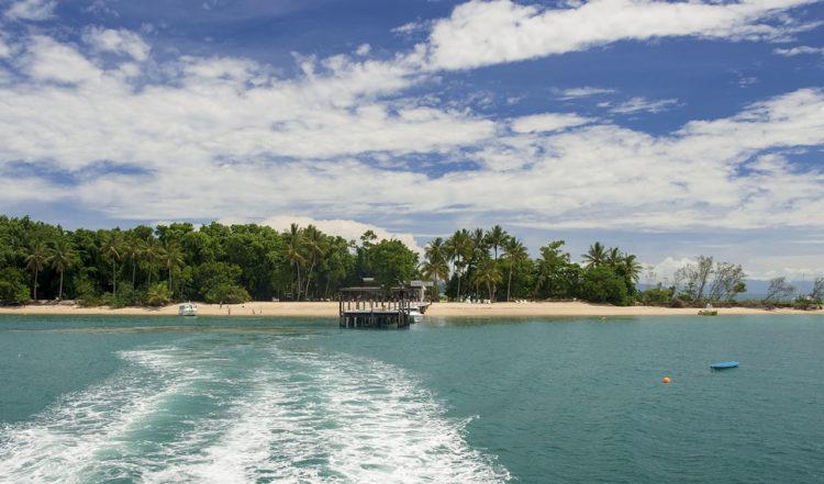 Med färja från Dunk Island, Queensland