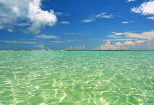 Kristallklart vatten vid Uoleva, Tonga