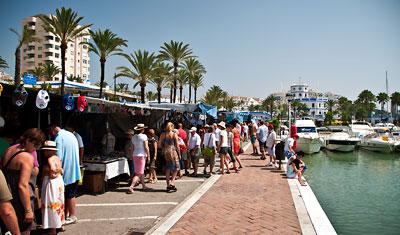 Söndagsmarknad i Estepona hamn