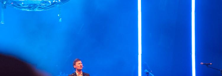 Clarion ägaren Petter Stordalen håller ett energiskt och excentriskt tal