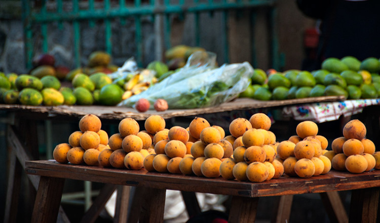 Fruktstånd på Sir Selwyn Selwyn-Clarke marknaden i Victoria, Seychellerna