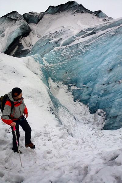 Vår guide på glaciären Sólheimajökull, Island