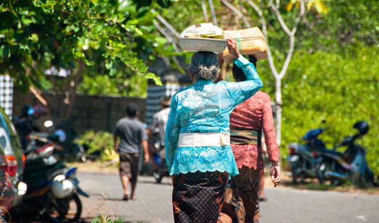 Balinesiska kvinnor i Sanur, Bali