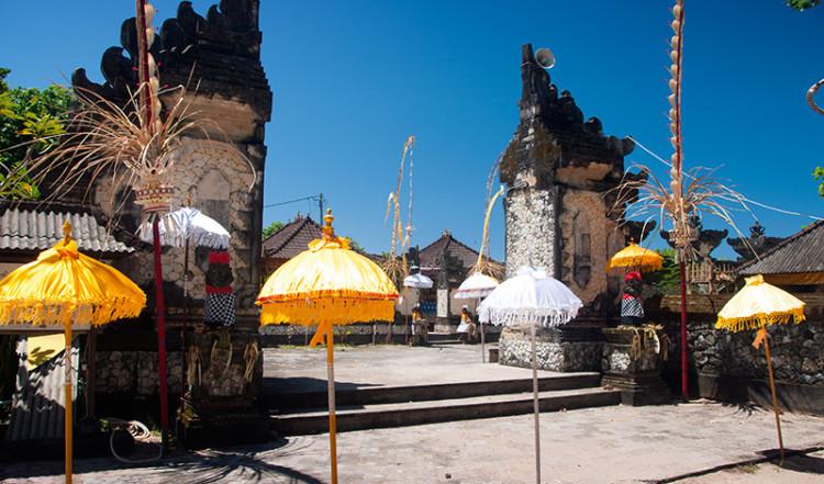 Portal till tempel utmed Sanur strandpromenad, Bali