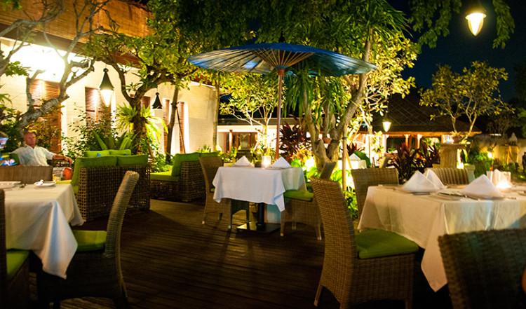 Servering på Ares Restaurant i Sanur, Bali