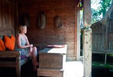 Anki på verandan till Padi House, Bambu Indah Ubud Bali