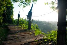 På brädorna till utsiktsplatsen på Bambu Indah, Ubud Bali