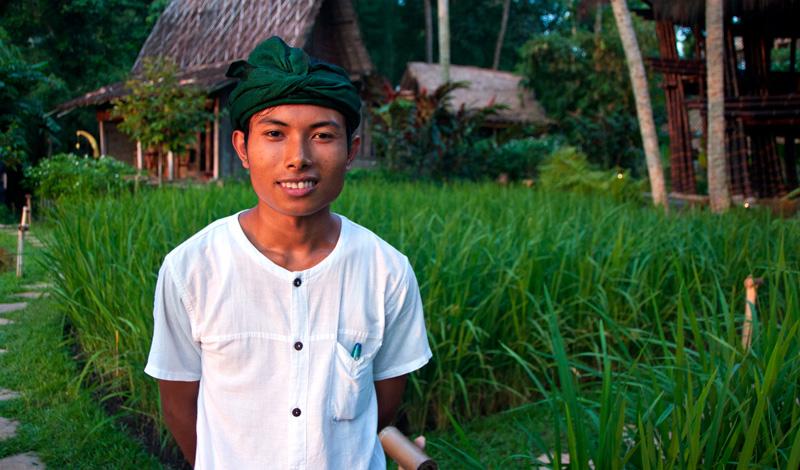 En kille ur den trevliga personalen på Bambu Indah, Ubud Bali