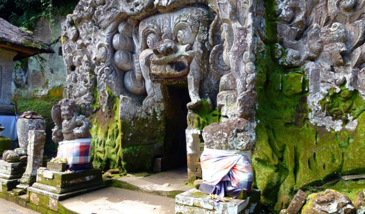 Entrén till Goa Gajah, Elefant grottan i Ubud, Bali
