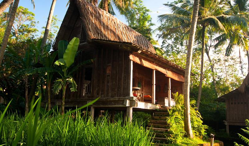 Solens sista strålar över Padi House, Bambu Indah, Ubud