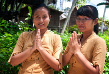 Tjejerna i receptionen, Bambu Indah, Ubud Bali