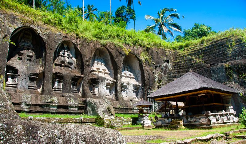 Några av de stora helgedomarna urhuggna ur klippan, Gunung Kawi