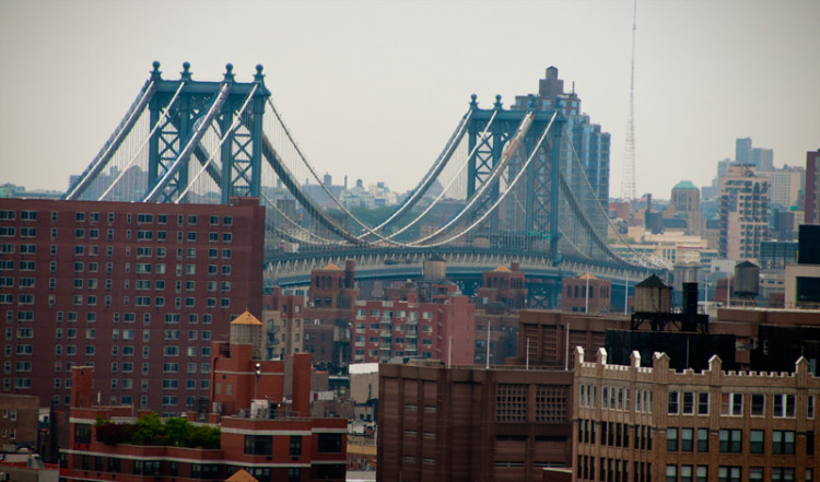 Manhattan Bridge från The James, New York
