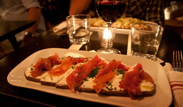 Tartine till middag på Tartinery Restaurant, Nolita New York
