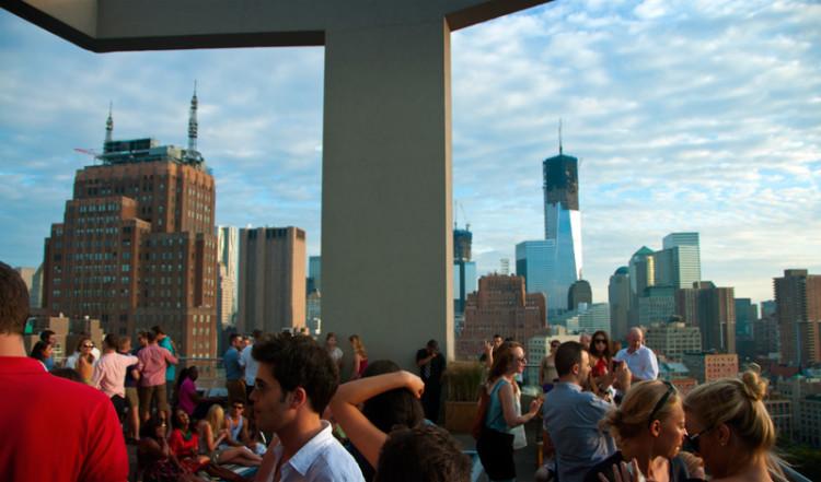 Klubbliv på Jimmys, rooftop bar på the James Hotel, SoHo New York