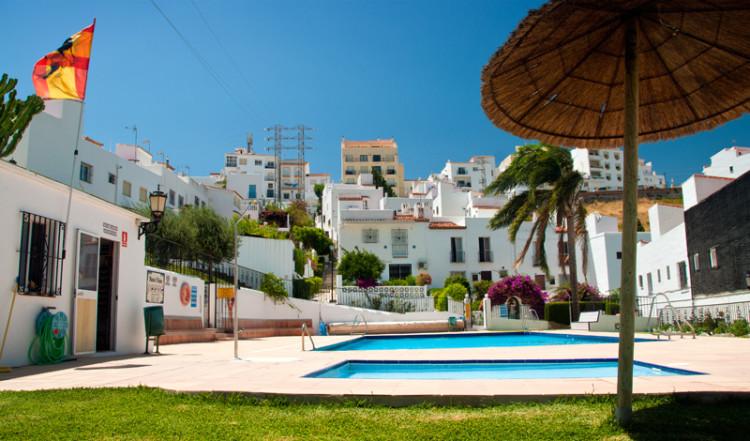 Pool, Monte Viñas