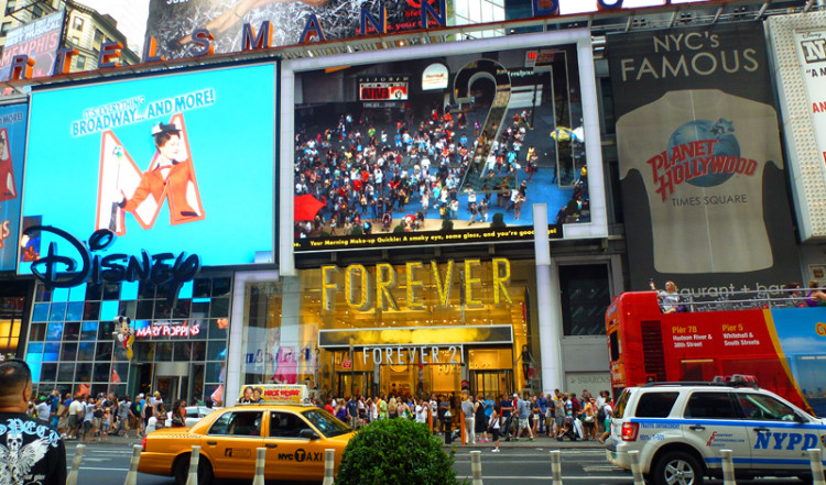 Disney, Forever 21 och Planet Hollywood, Times Square New York