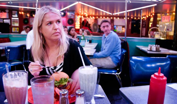 Anki på Ellens Stardust Diner, New York