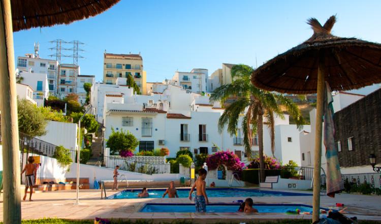 Kvällsdopp i Monte Viñas Pool