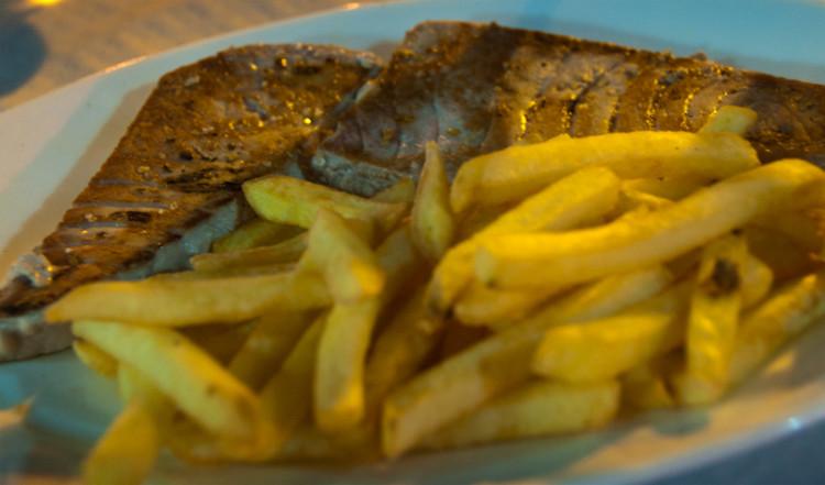 Tonfisk rätt på Manolo restaurant, Sabinillas