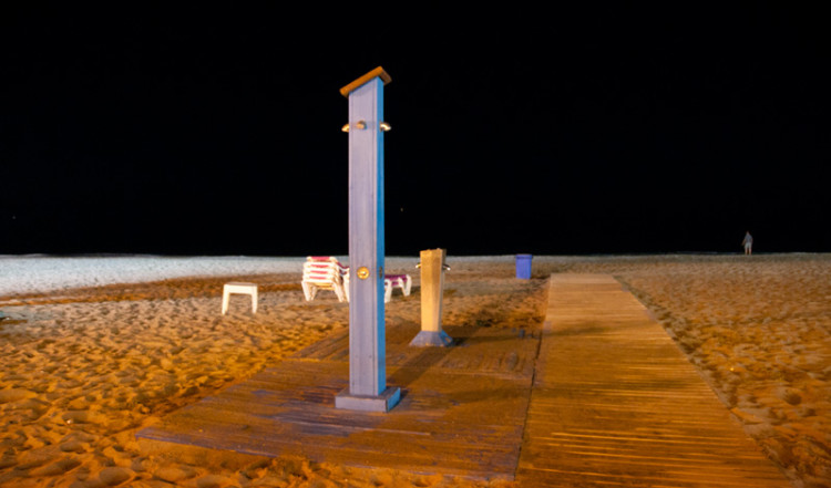 Stranden kvällstid i Sabinillas