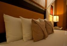 Kuddar på sängen, Partenon Suite på Adonis Tulum
