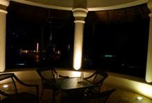 En Paviljong kvällstid, Adonis Tulum