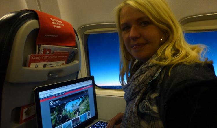 Anki testar Limewave på 10 000 meters höjd i ett Norwegian flygplan