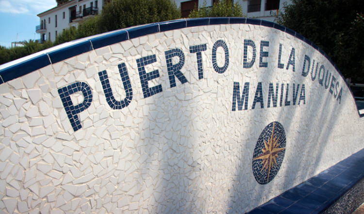 Skylt vid Puerto de la Duquesa