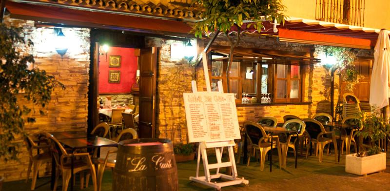 Aguilar Restaurant längs Calle Real, Estepona