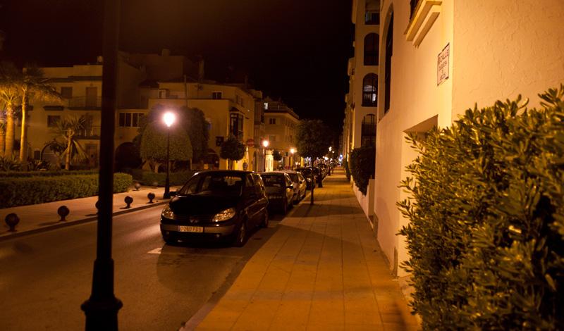 Lugn gata sen kväll i Sabinillas